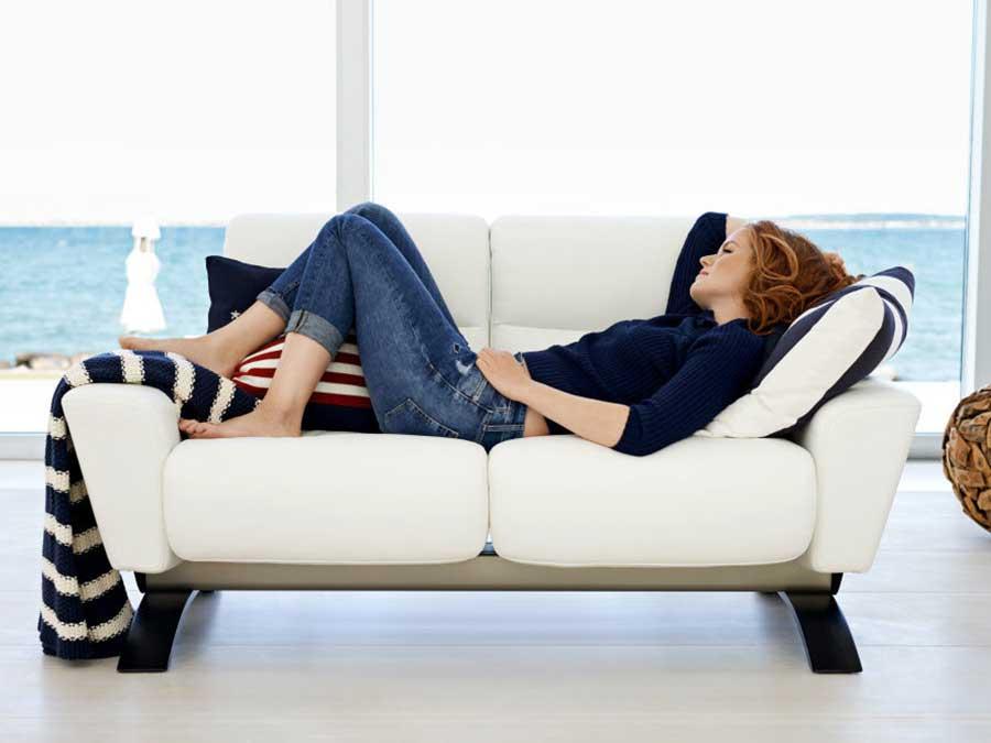 divano stressless bianco