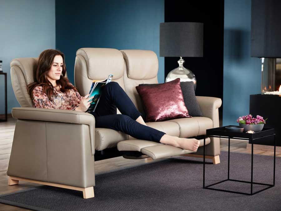 divano stressless sistema reclinabile singolo posto