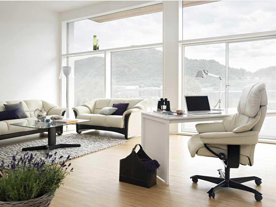 poltrone e divani stressless per ufficio e casa